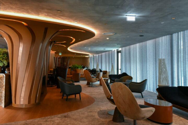 The Lodge Hotel & Business Hotel – Em frente ao Cais de Gaia, pela mão do empresário Mario Ferreira que abriu portas recentemente.