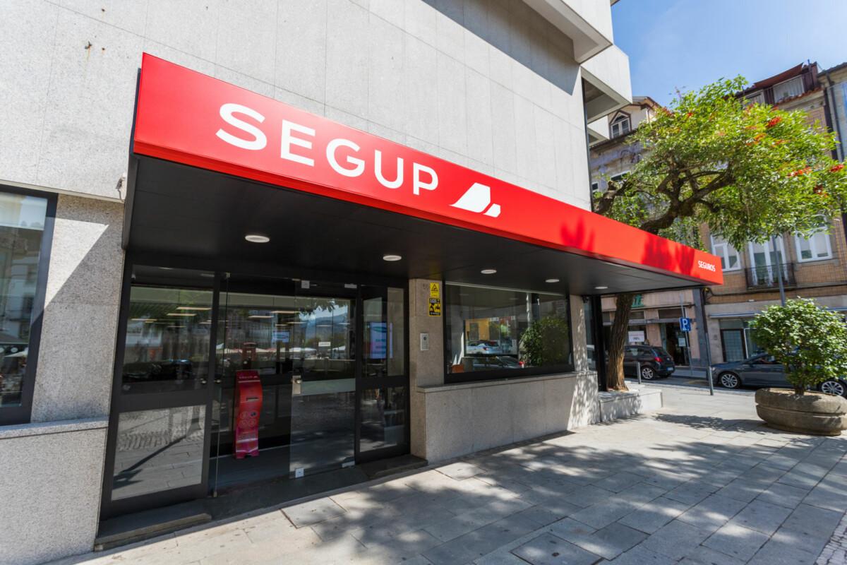 seg-up-8
